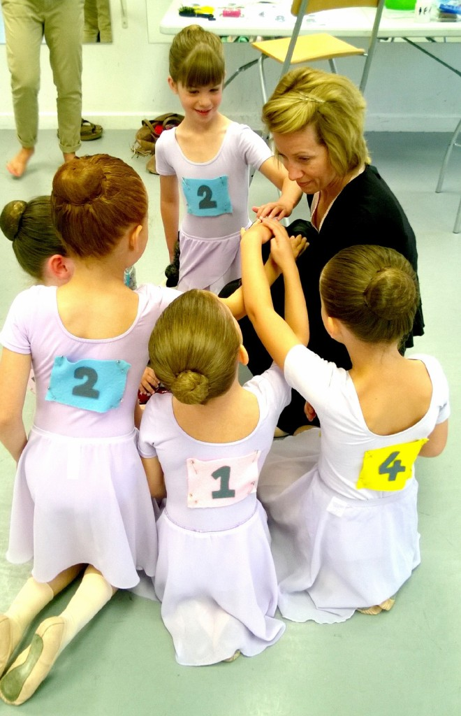 amandine-1st-ballet-exam-2017-colours-of-dance-miss-imogen-and-minnie.jpg